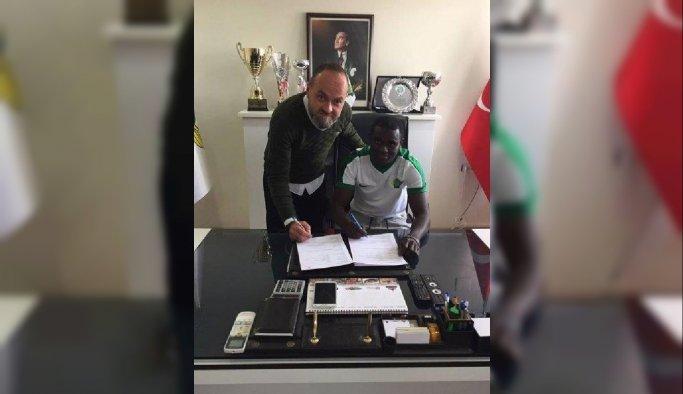 Akhisar Belediyespor Adu ile 3.5 yıllık sözleşme imzaladı (YENİDEN)