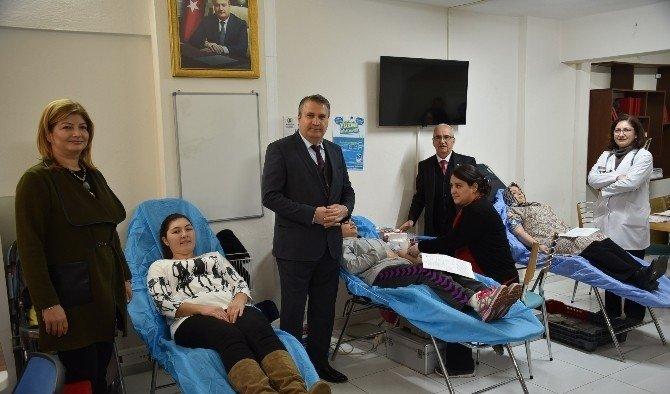 Başkan Çerçi'den Yunusemreli bayanlara teşekkür