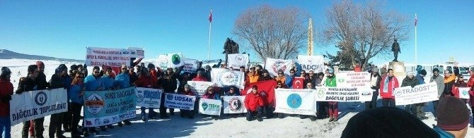 Manisa Büyükşehir Belediyespor Sarıkamış Şehitleri'ni andı