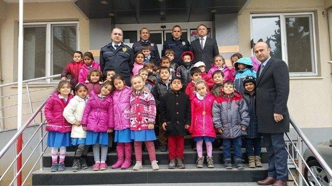 Öğrencilerden polislere ziyaret