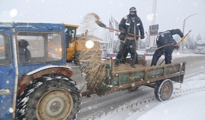Turgutlu'da ekipler iş başında