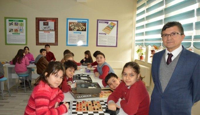 23 Nisan İlkokuluna 'Akıl Oyunları Sınıfı'