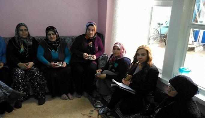 AK Partili kadınlar referandum turuna çıktı