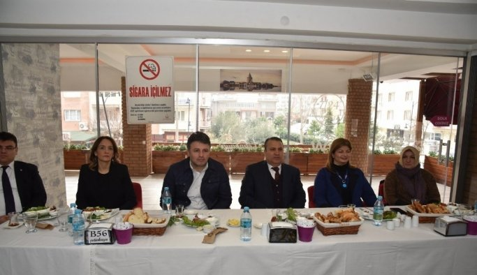 Başkan Çerçi, mahalle başkanlarının eşleriyle buluştu