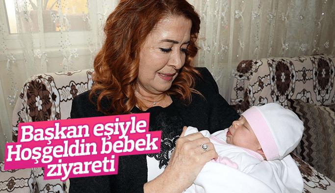 """Başkan eşiyle 'Hoşgeldin bebek"""" ziyareti"""