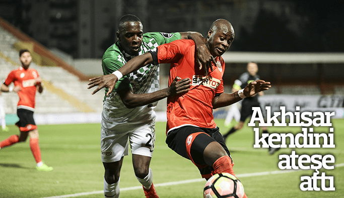 Akhisar Adanaspor'a kaybetti kendini ateşe attı
