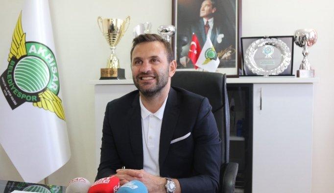 Okan Buruk, Akhisar Belediyespor'a imzayı attı