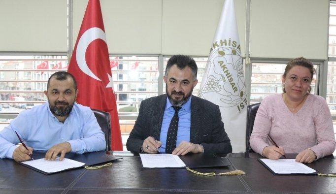 Spor Toto Akhisar Stadyumu yeni firmaya teslim edildi, çalışmalar başlıyor