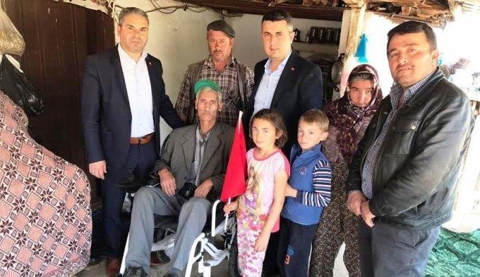 AK Parti'li Baybatur engelli vatandaşı sevindirdi