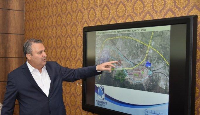 Başkan Çerçi vatandaşlara kentsel dönüşümü anlatıyor
