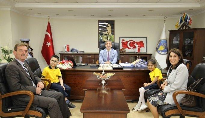 Başkan Şirin koltuğunu miniklere devretti