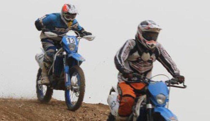 Binlerce motosiklet tutkunu Salihli'de buluştu