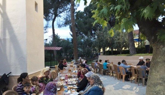 Salihli TSO'dan her gün 800 kişilik iftar