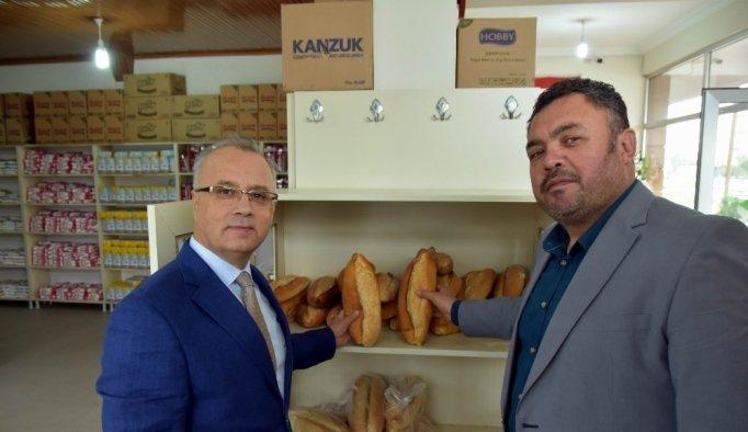 """Salihli'de """"Askıda ekmek var"""" uygulaması"""