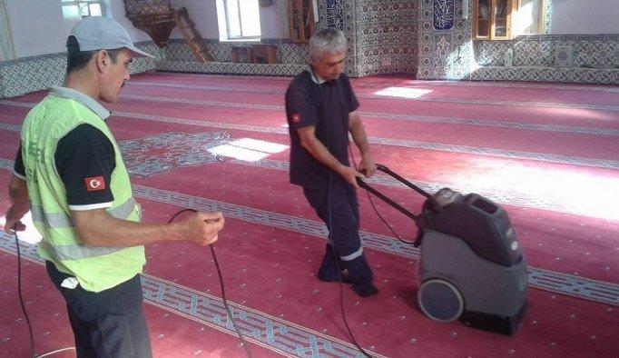 Salihli'de camiler Ramazan ayına hazırlanıyor