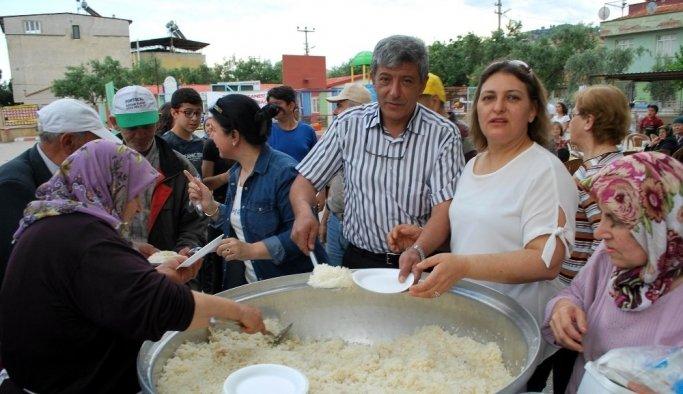 Salihli'de geleneksel pilav günü