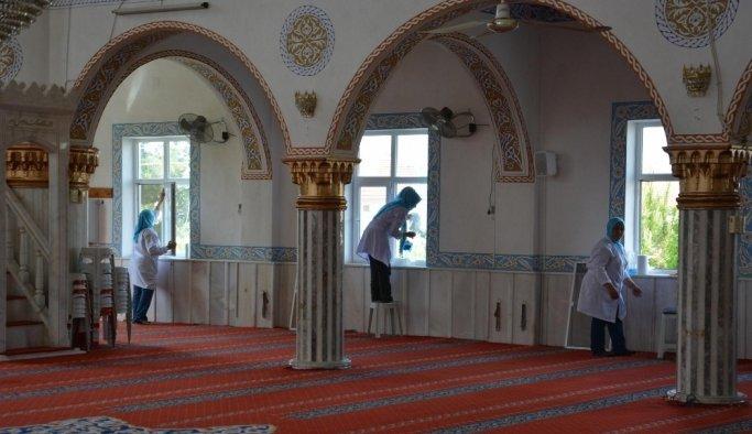 Şehzadeler'de camiler Ramazan'a hazır