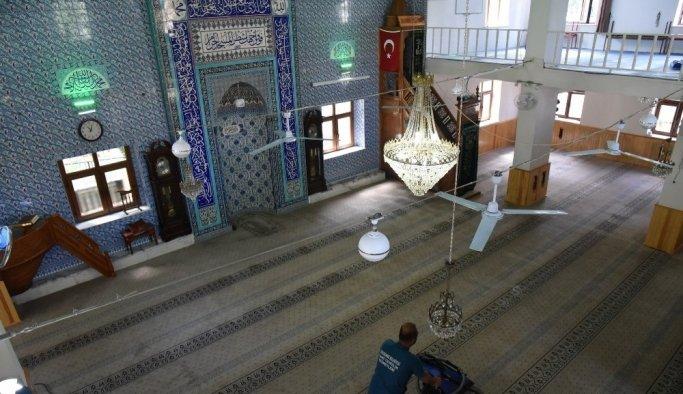 Yunusemre'de camiler Ramazan'a hazırlanıyor