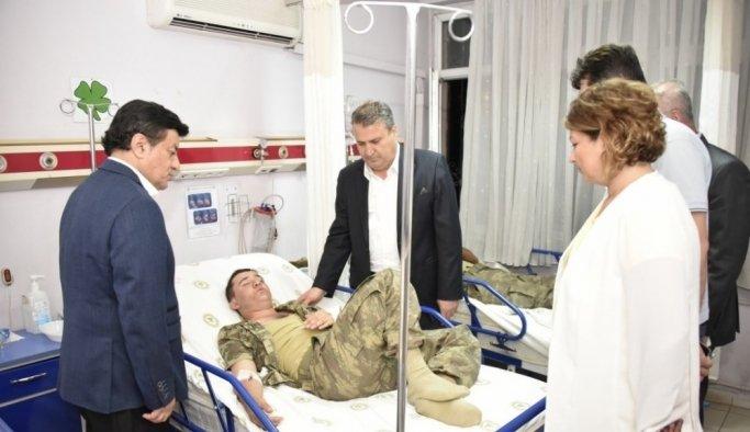 Başkan Çerçi ve Coşkun Sabah'tan askerlere ziyaret