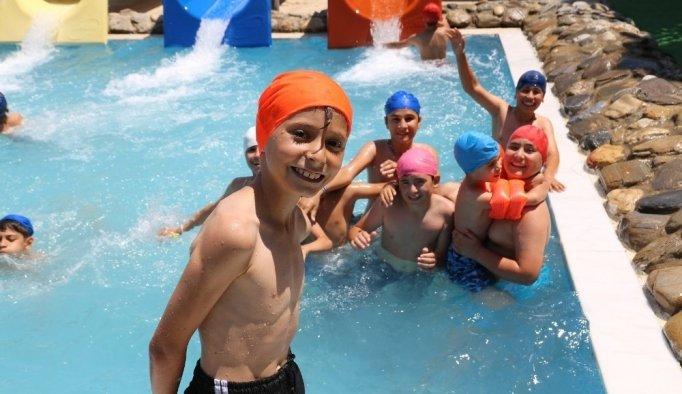 Başkan Şirin'in karne hediyesi çocukları sevindirdi