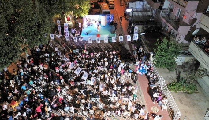 Turgutlulu vatandaşlar sokak iftarında buluştu