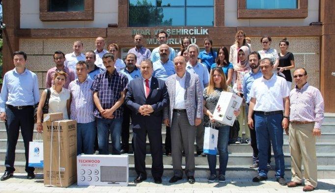 Türkçe tabela kullanan işyerlerine ödül
