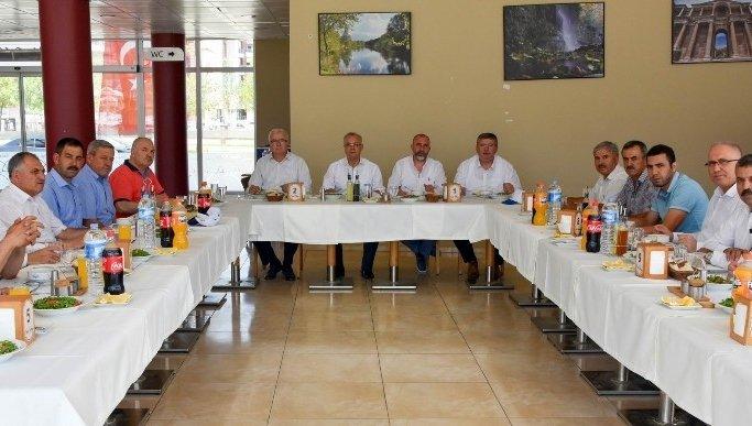 Başkan Kayda, büyükşehir meclis üyelerine yatırımları anlattı