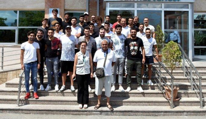 Salihli Belediyespor'lu futbolcular sağlık kontrolünden geçti