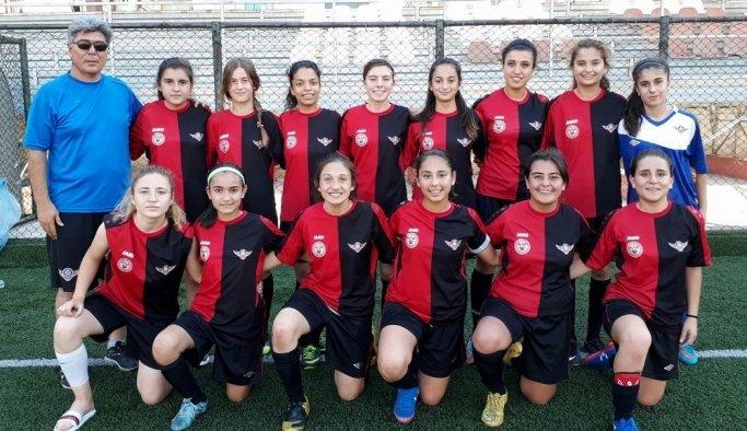 Somalı kızlar şampiyonayı son 32'de yer aldı