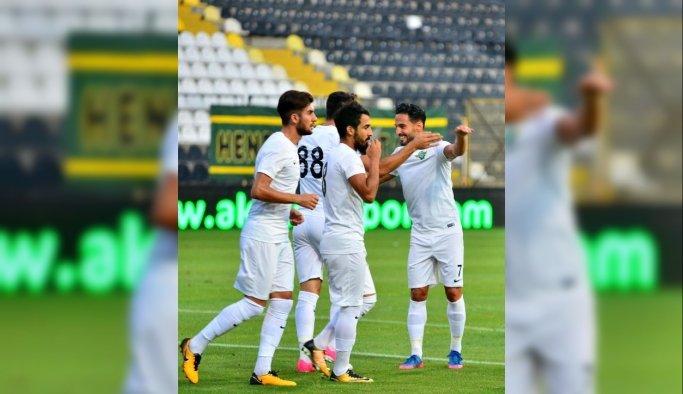 Akhisar Belediyespor teknik direktörü Buruk'tan takıma övgü