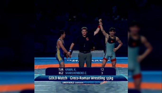 Akhisarlı, Kerem Dünya Gençler Grekoromen Şampiyonası'nda altın madalya kazandı