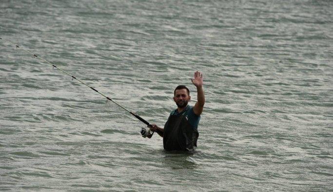 Amatör balıkçılar Soma'da yarıştı