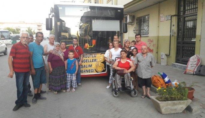 Büyükşehirden engellilere araç desteği