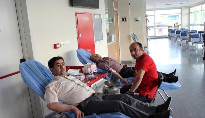 İŞKUR personeli kan bağışında bulundu