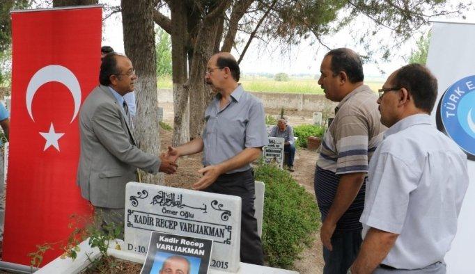 Merhum Başkan Varlıakman mezarı başında anıldı