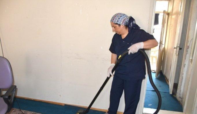 Salihli'de ihtiyaç sahiplerine bayram temizliği