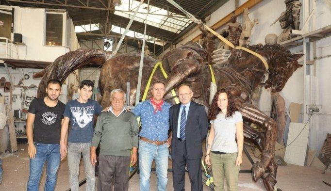 Gördesli Makbule heykeli tamamlanmak üzere