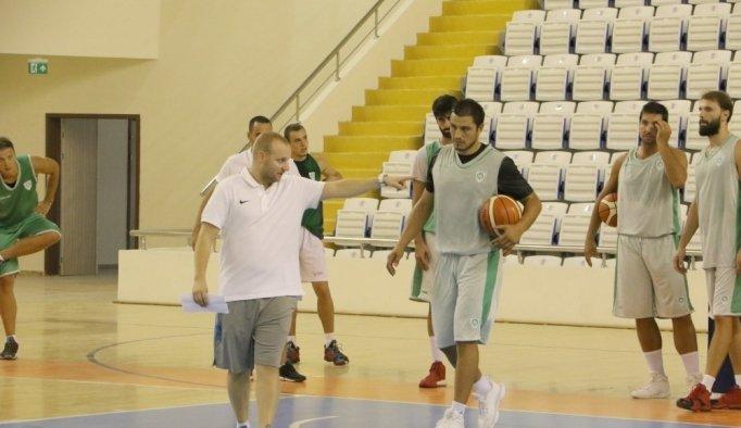 Manisa BBSK Basketbol Takımı ilk antrenmanı yaptı
