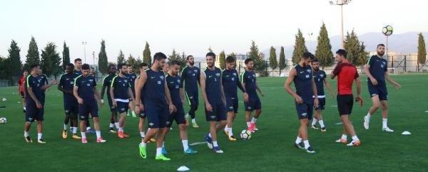 """Teleset Mobilya Akhisarspor: """"Bu sezon lig çok zorlu geçiyor"""""""
