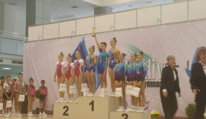 Manisa Büyükşehir'in cimnastikçileri dünyada da durdurulamıyor