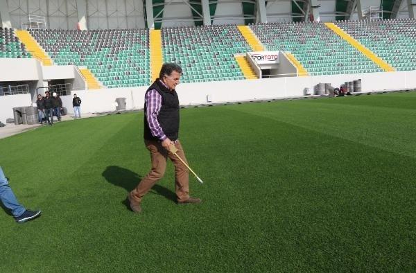 Akhisar Stadı'nda hibrit çime tam not