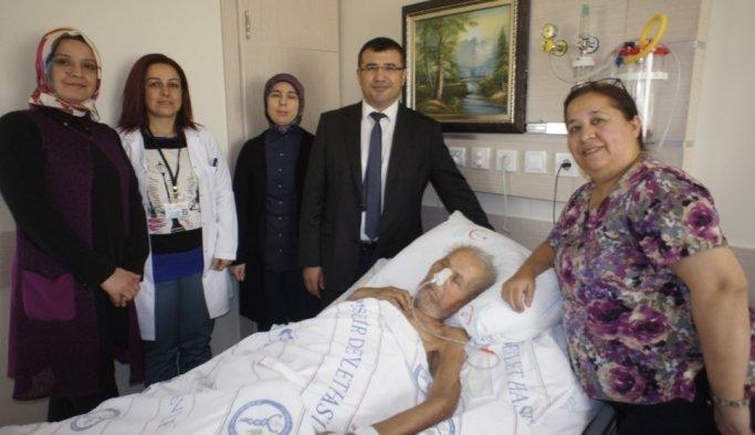 Alaşehir'de hastalar palyatif bakım desteğiyle moral buluyor