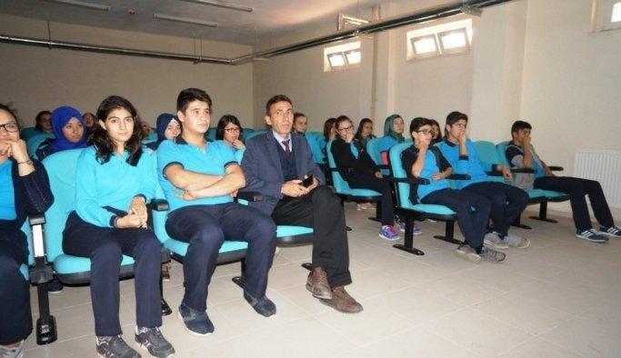 """Sarıgöl'de öğrencilere """"Güvenli Gıda"""" semineri"""