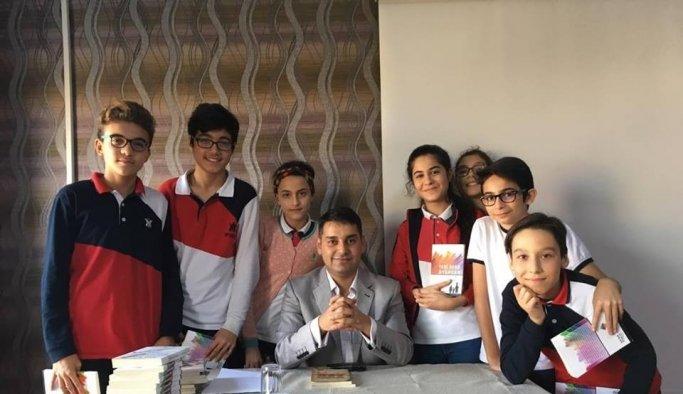 Yazar ve şair Alper Tunga Kumtepe öğrencilerle buluştu