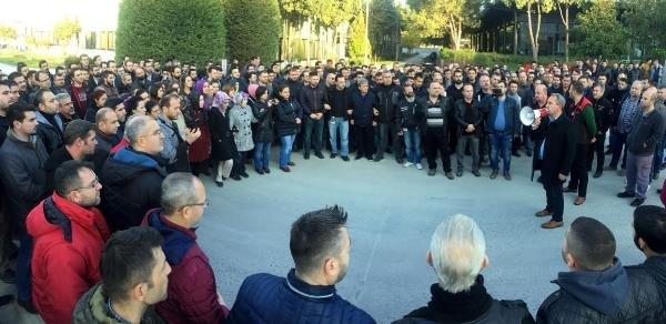Manisa'da Türk Metal Sendikası'na bağlı 4 bin 500 işçi, 16 fabrikada eylemde