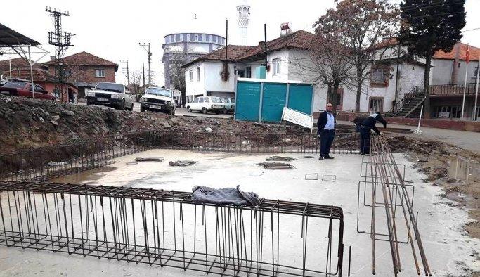 Mahalle halkı sağlık evi yaptırıyor