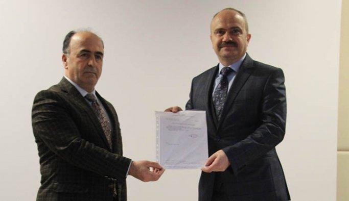 AK Parti Manisa İl Başkanı Mersinli mazbatasını aldı
