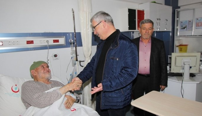 Başkan Yaralı'dan hastalara ziyaret