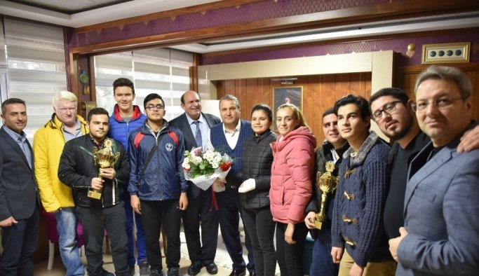 Görme engelli sporculardan Başkan Çerçi'ye teşekkür
