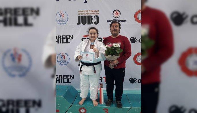 Judoda Türkiye üçüncüsü Yunusemre'den
